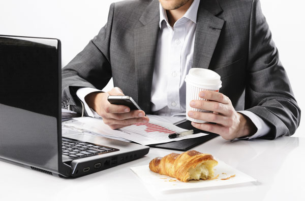 Eating at your desk will affect the quality of your work and health - César Gamio